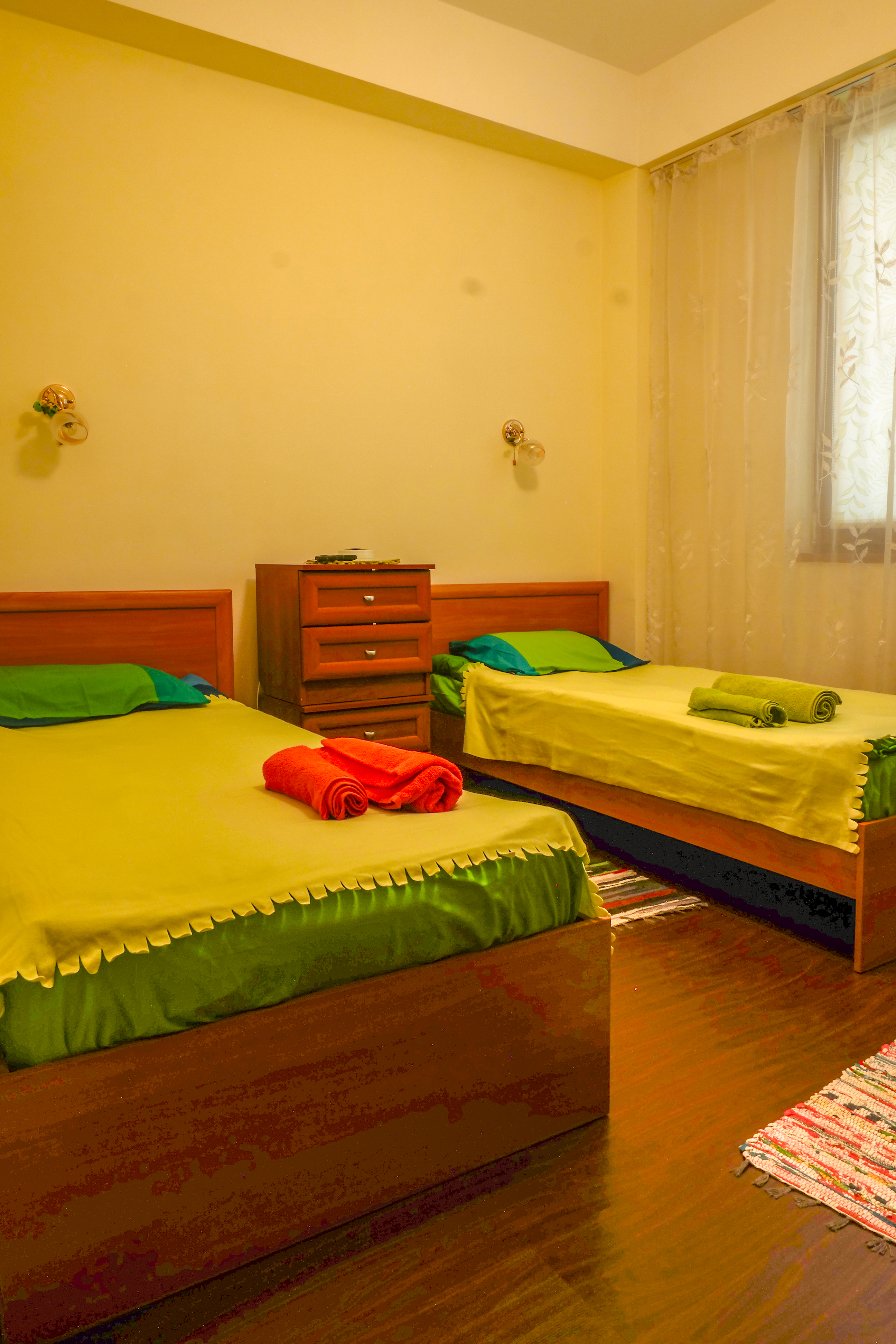 Апартаменты на Турчинского 50. Зеленая спальня