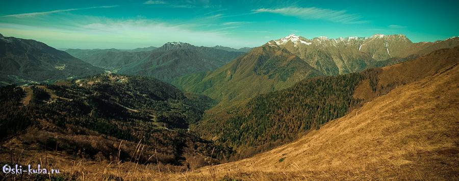 Вид на Главный Кавказский хребет - вершины Ассара, Чугуш, Деймарук Горы Воробьева,